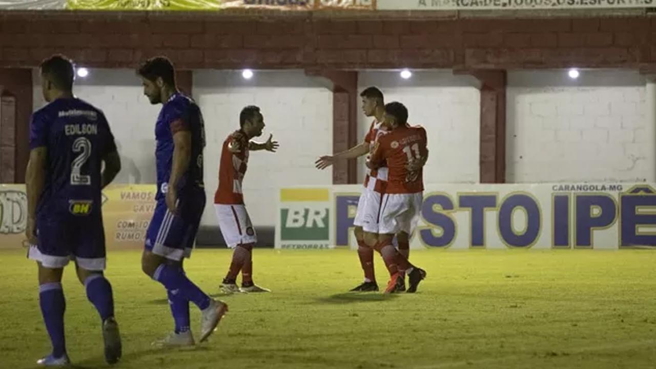 Cruzeiro perde a primeira no ano