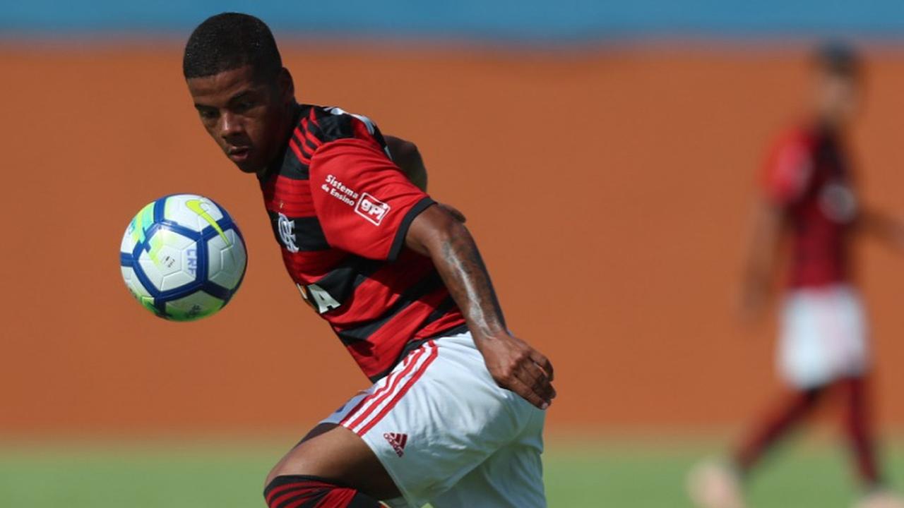 Cruzeiro negocia com jovem
