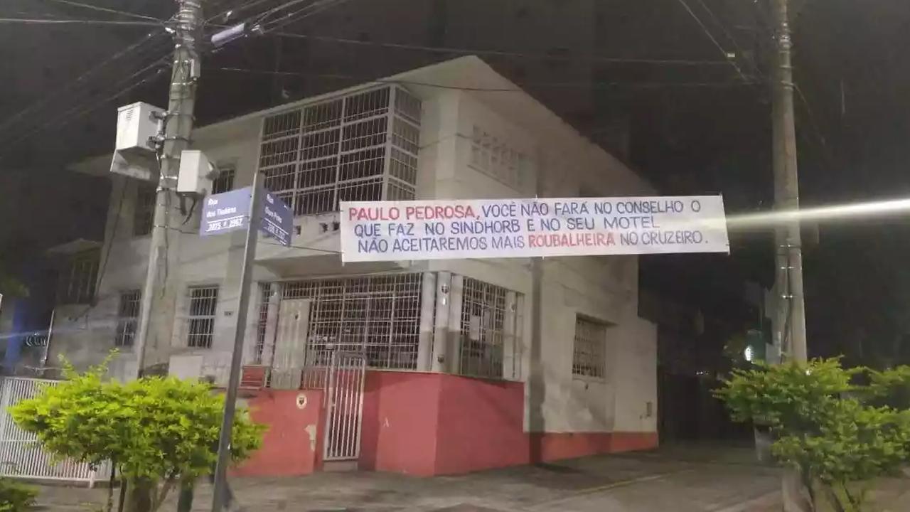 protesto contra Paulo Pedrosa