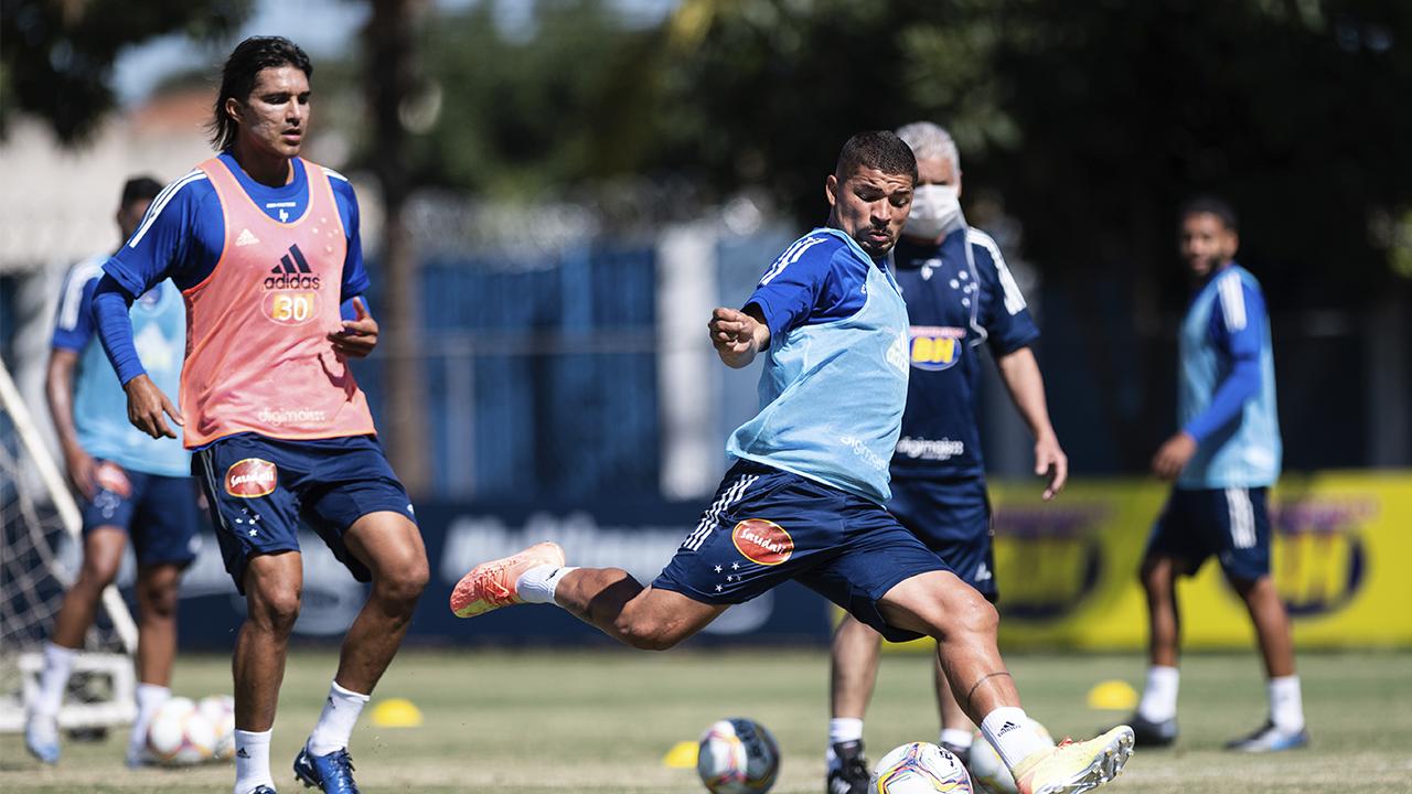 Cruzeiro enfrenta a Caldense