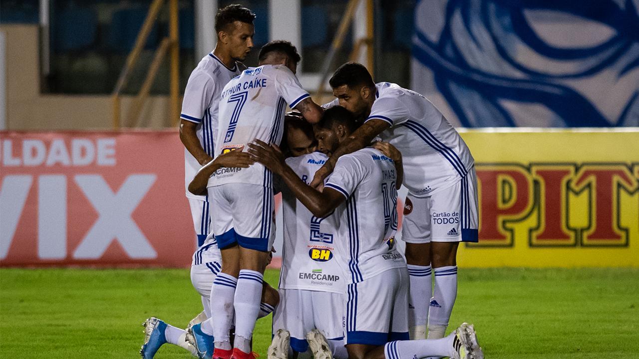 Cruzeiro empata com o Confiança
