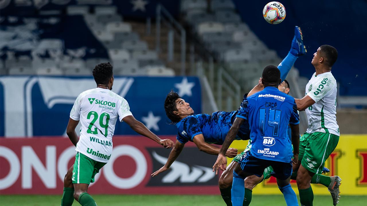 Cruzeiro perde para a Chape