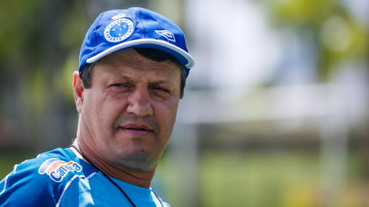 Ações de Adilson contra o Cruzeiro