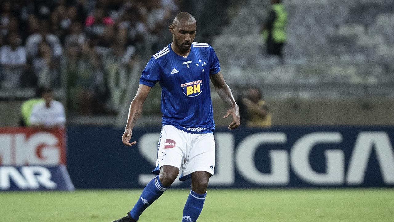 Arthur liberado pelo Cruzeiro