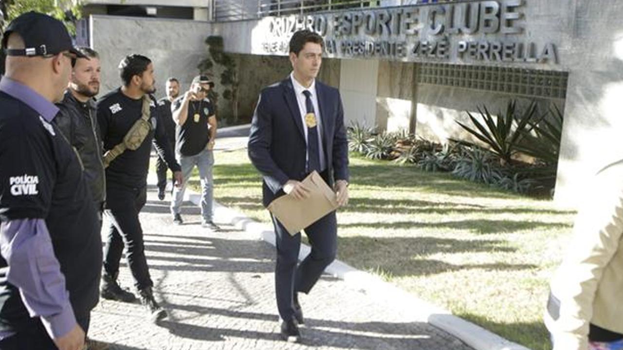 Justiça bloqueia R$ 4 3 milhões