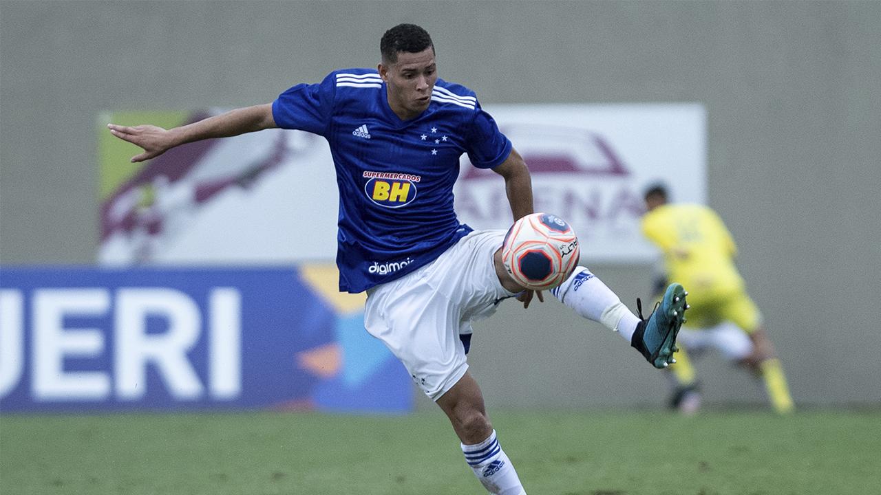 Matheus Pereira titular