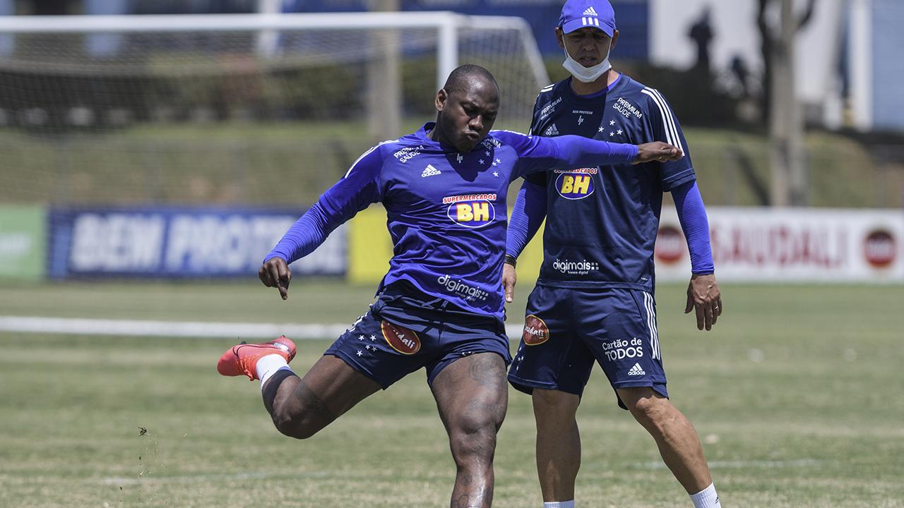 Cruzeiro enfrenta a Ponte Preta