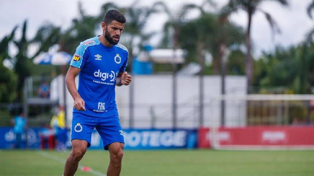 Cruzeiro decide reintegrar