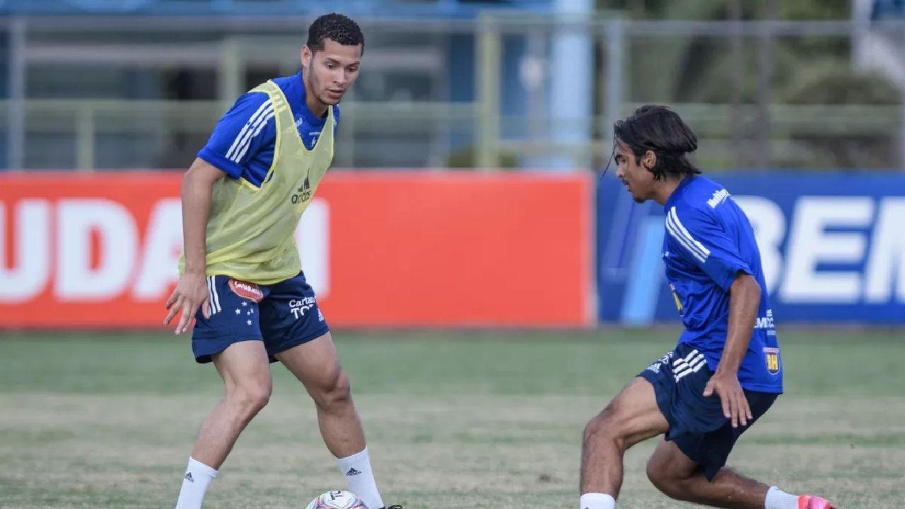 Matheus Pereira testa positivo