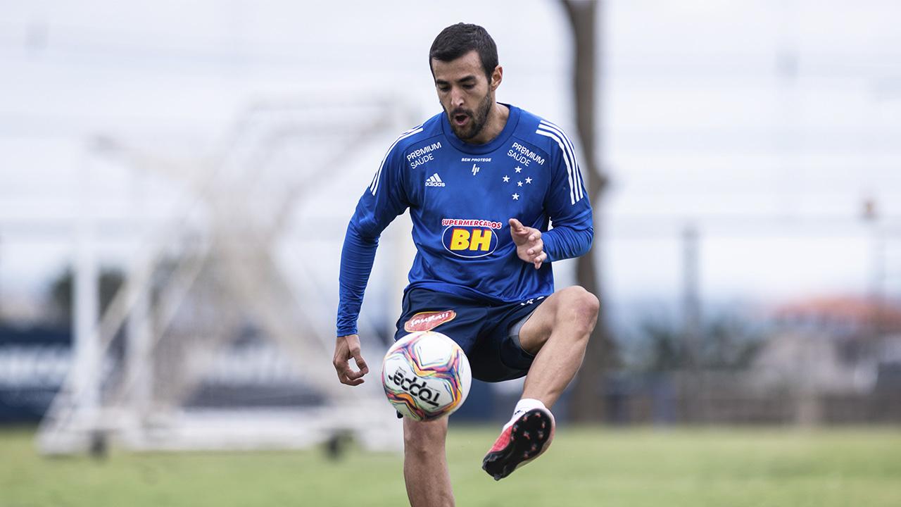 Raúl Cáceres retorna