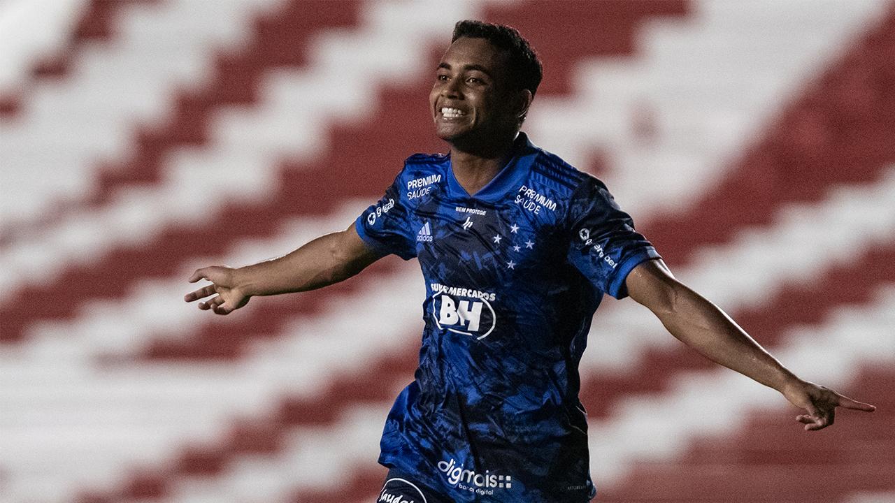 Cruzeiro empata com o Náutico