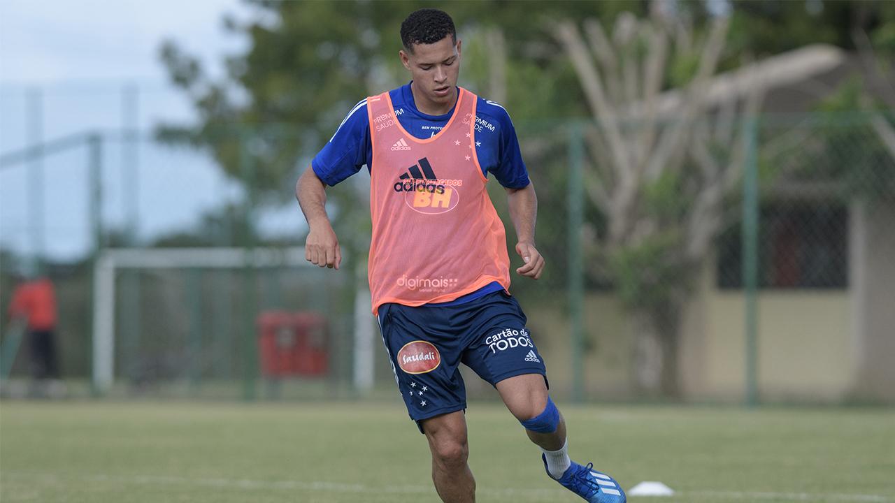 Matheus Pereira de volta