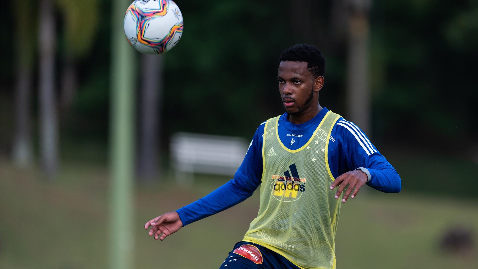 Rafael Luiz testou positivo