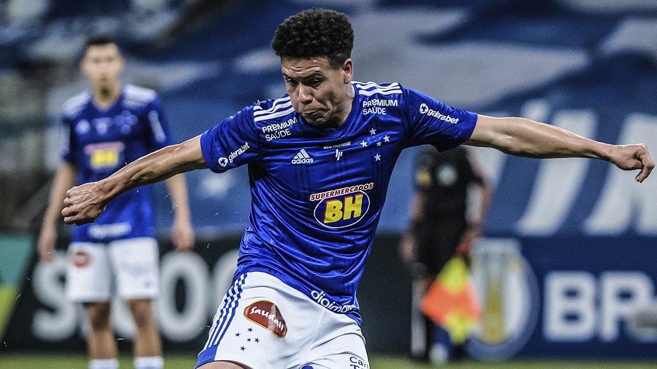 rescinde o contrato do Marquinhos Gabriel