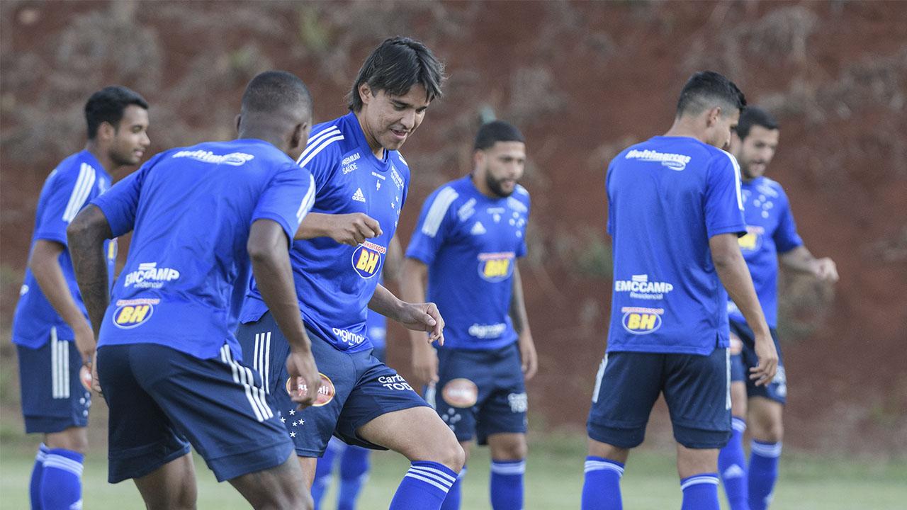 Cruzeiro enfrenta o Botafogo-SP