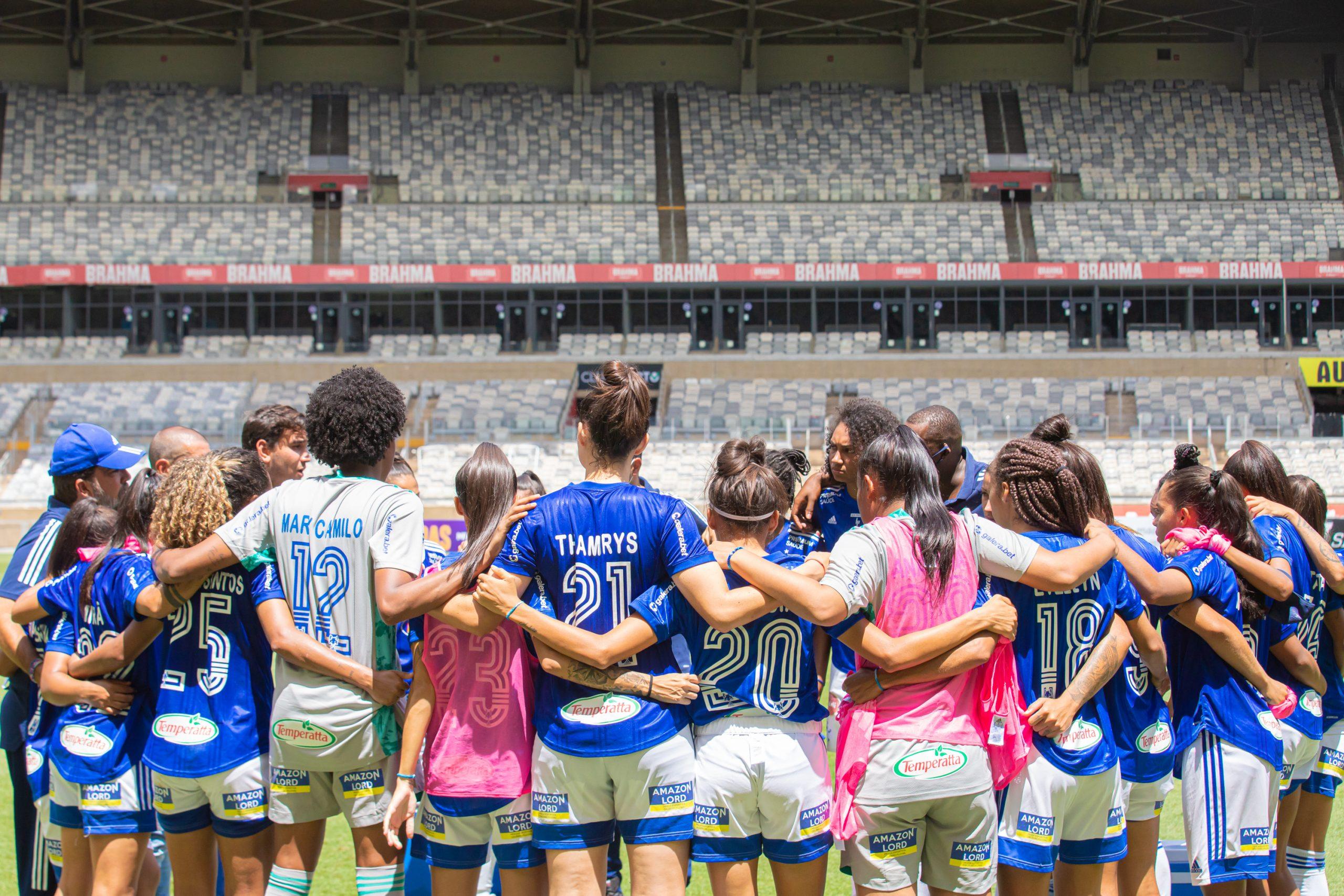 Equipe de futebol feminino celeste