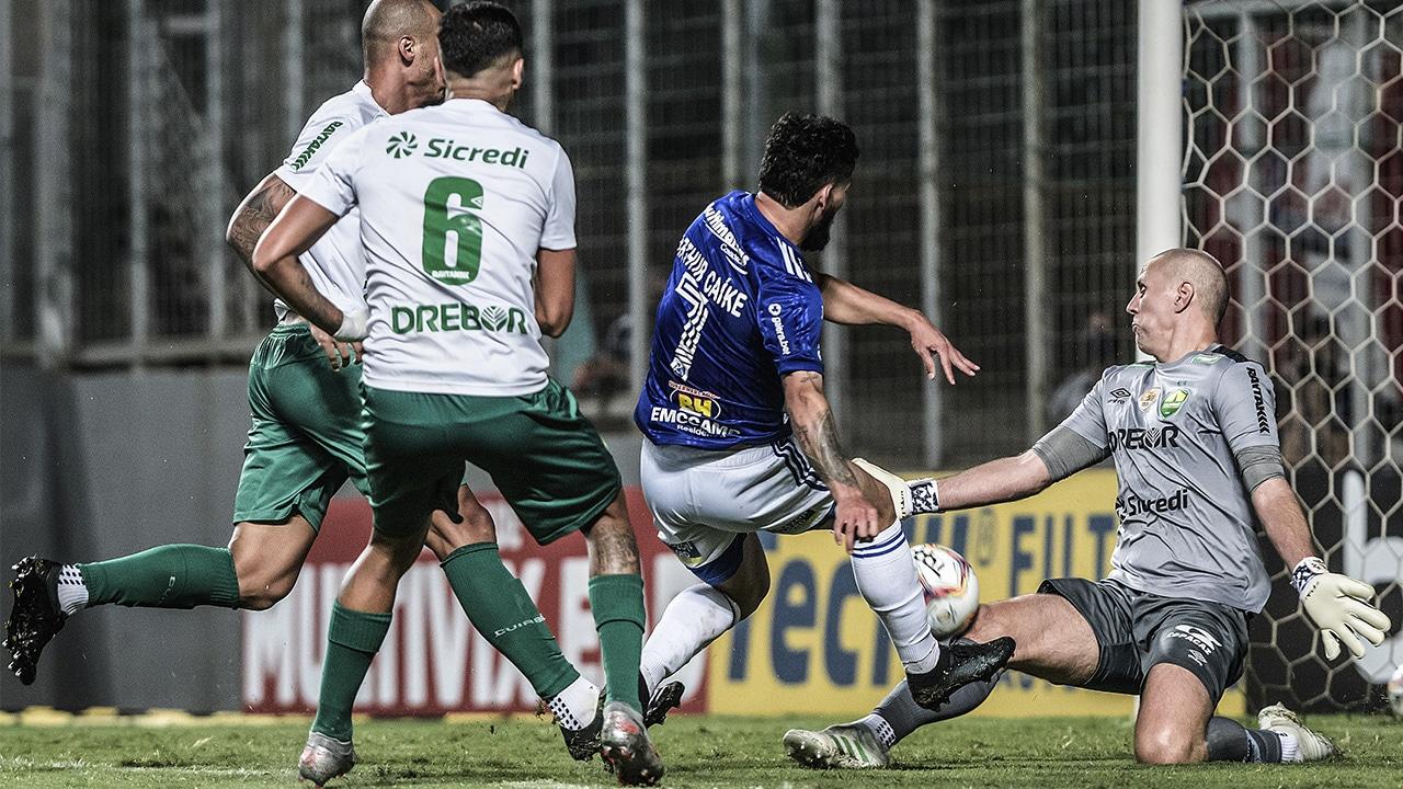 Cruzeiro empata com o Cuiabá