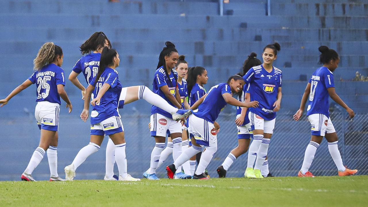Cruzeiro goleia América