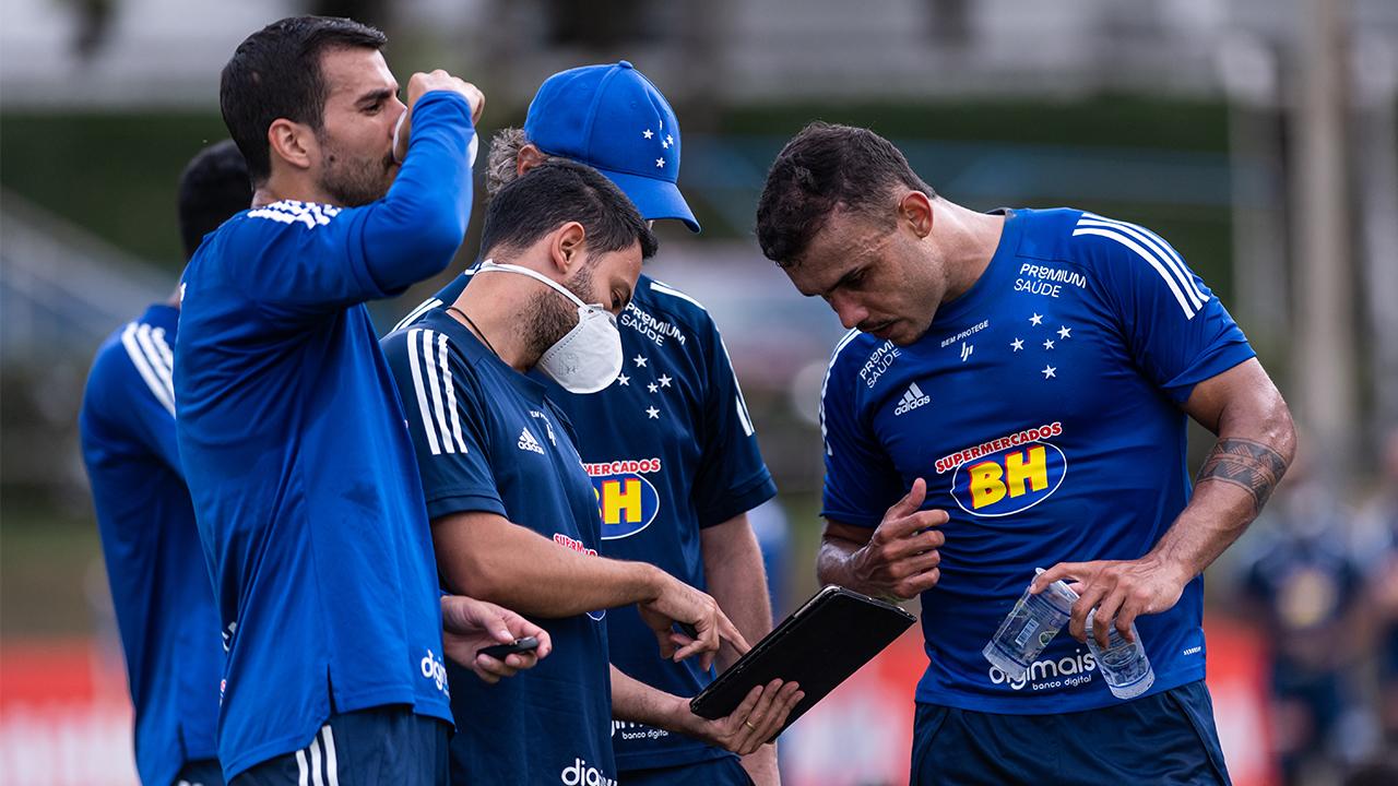 Cruzeiro retorna as atividades