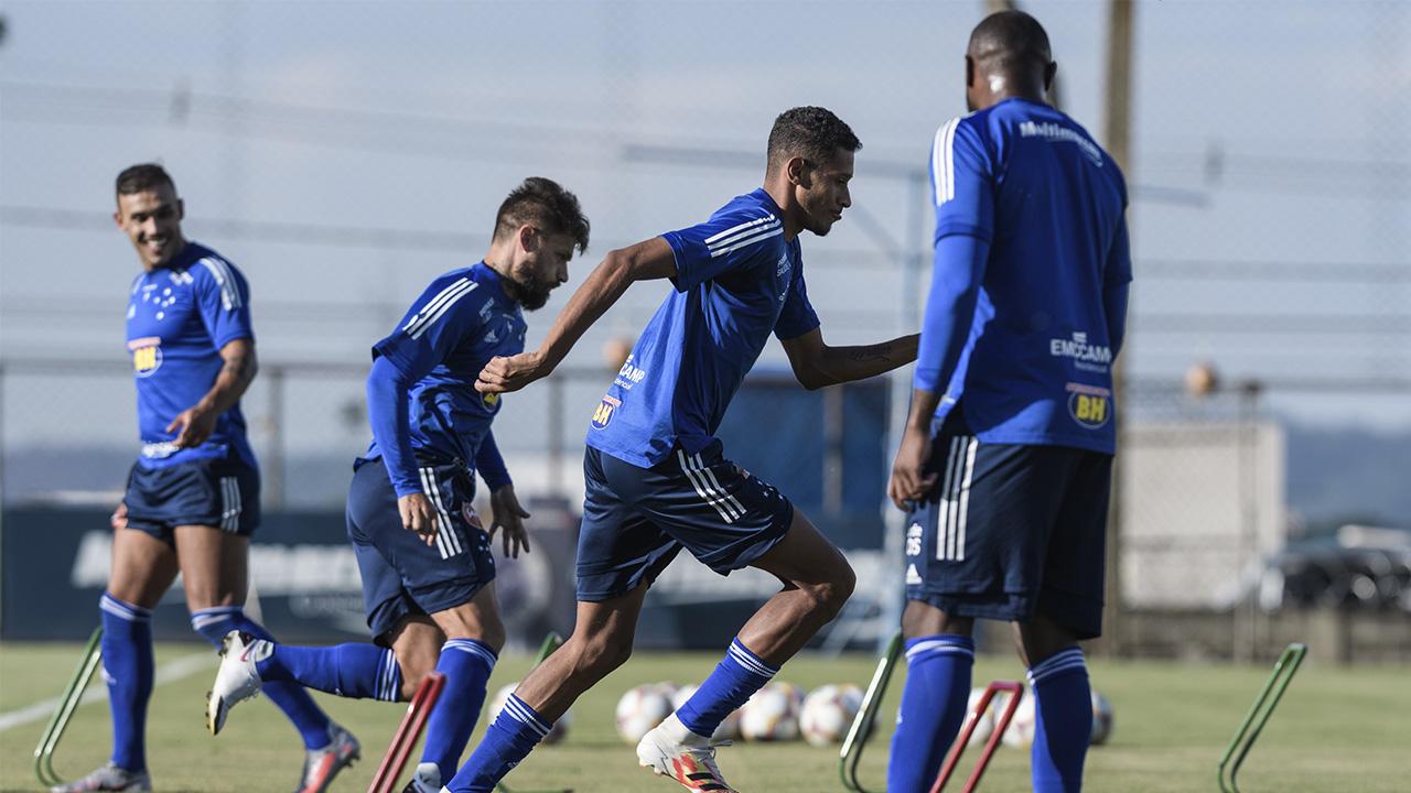 Cruzeiro enfrenta o América nesta quarta