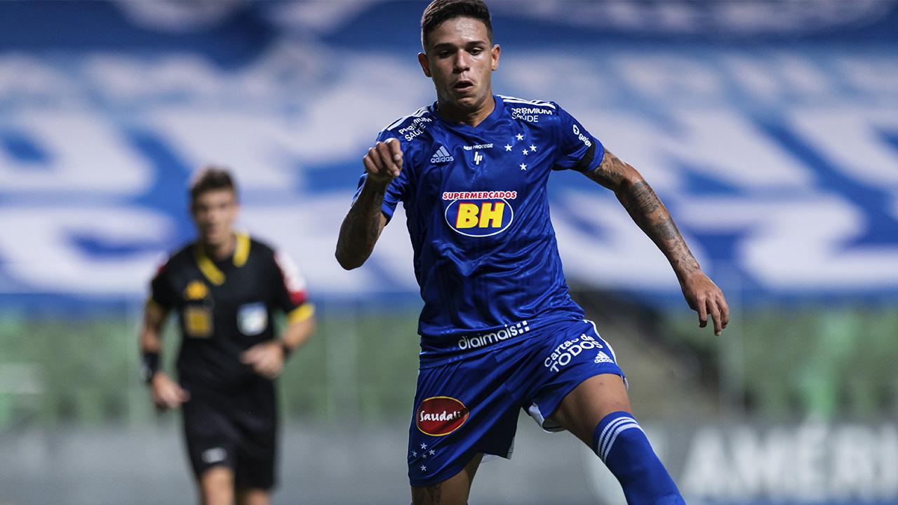 Jadsom aciona o Cruzeiro