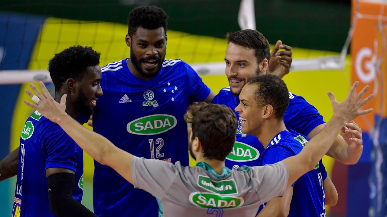 Sada Cruzeiro vence clássico