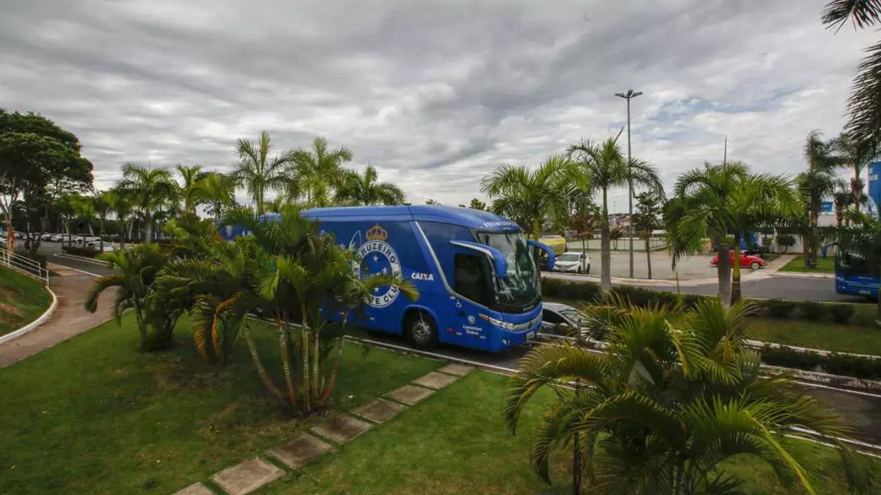 Cruzeiro quitou uma folha