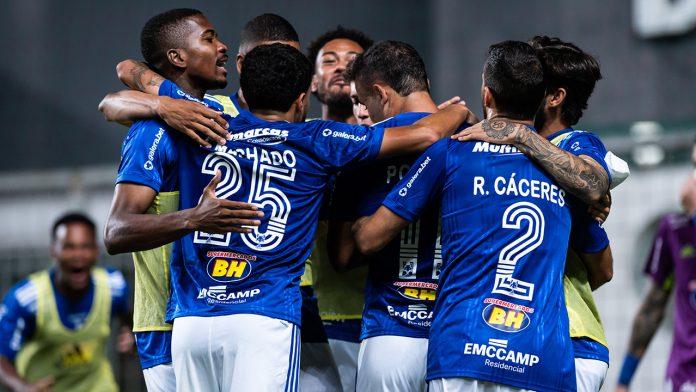 Cruzeiro vence Operário