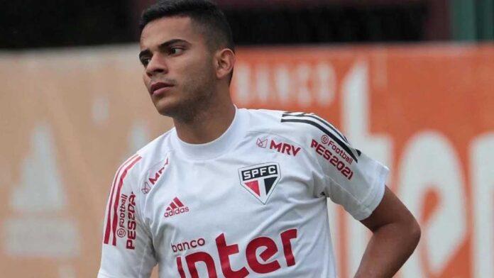 Bruno Rodrigues perde espaço