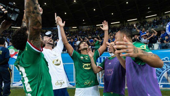 Cruzeiro vence o Confiança
